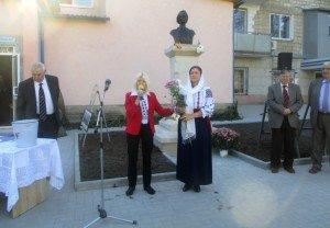 Eminescu, Mihai Cimpoi, Renata Verejanu